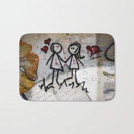 Graffiti love Bath Mat