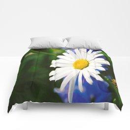 White Daisy Flower Loves Me Loves Me Not Comforters