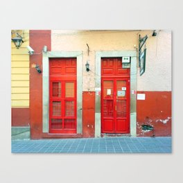 Red doors in Guanajuato Mexico Canvas Print