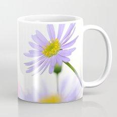 lone daisy I Mug