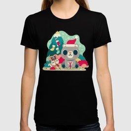 Holiday Woodland Bear / Cute Animal T-shirt