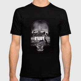 r u n (ANALOG zine) T-shirt
