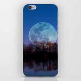 Luna arborum a tergo iPhone Skin