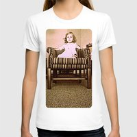 leah flores T-shirts featuring Princes Leah by Dragonfly