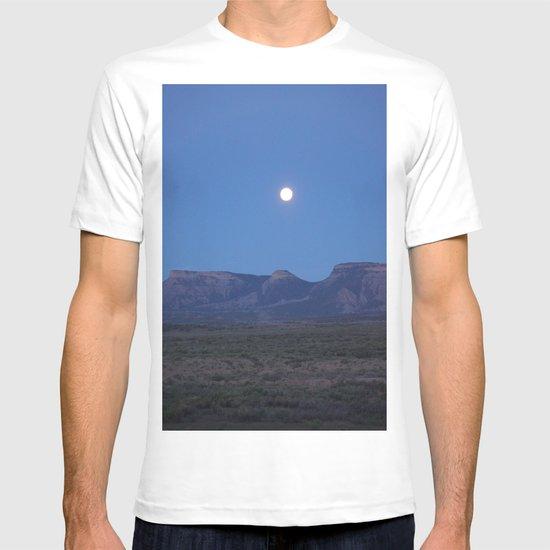 Colorado moonrise  T-shirt