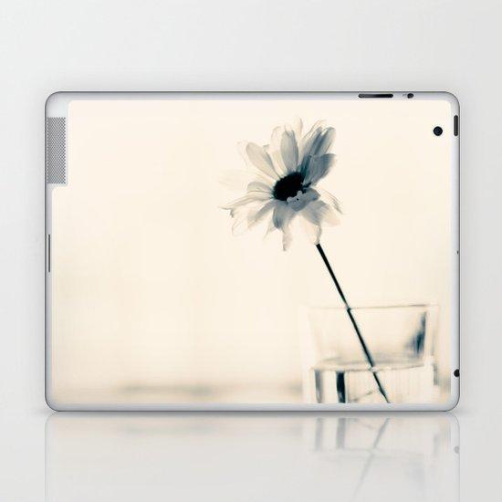 Easy Love (minimalist flower photography) Laptop & iPad Skin