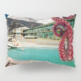 Octopus in the pool Pillow Sham