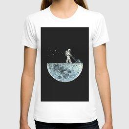Astronaut Black Moon Lawnmower T-shirt