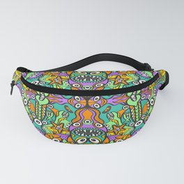 Tropical aquatic creatures in doodle art style forming a colorful pattern design Fanny Pack
