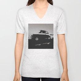 Fiat 500 classic, Gray on Black Unisex V-Neck