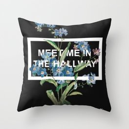 HARRY STYLES - Meet Me In The Hallway Art Throw Pillow