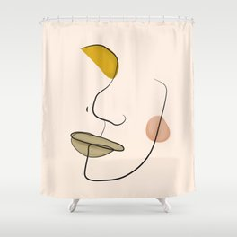 Le portrait d'Henriette Shower Curtain