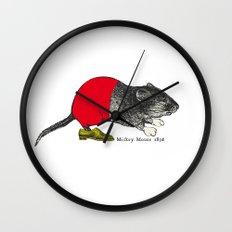 études - Mickey Wall Clock