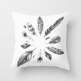 circulo de plumas Throw Pillow