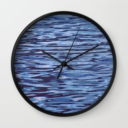 alien ripples Wall Clock