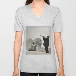 Louis Armstrong at the Spinx and Egyptian Pyrimids Vintage black and white photography / photographs Unisex V-Neck