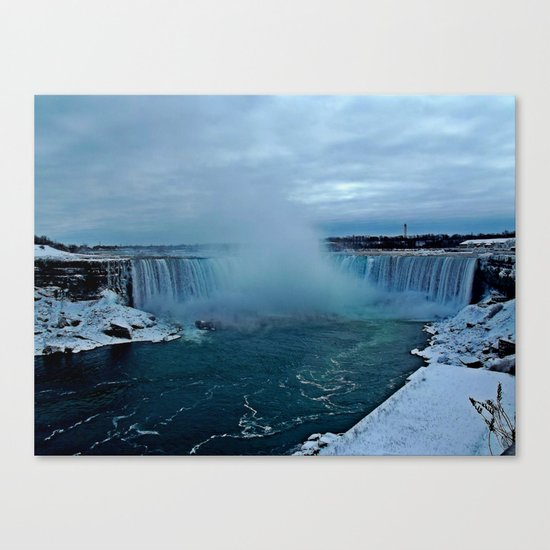 Niagara Falls by aaroncarberry