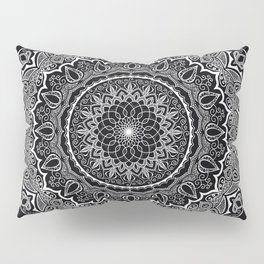 Mandala Black&White Pillow Sham