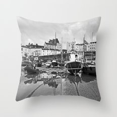 Tenby Harbour Boats.Pembrokeshire.B+W. Throw Pillow