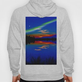 North light over a lake Hoody