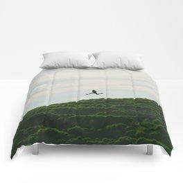 MAN - RUNNING - DOWNHILL Comforters