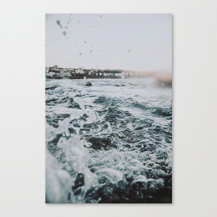 summer waves ii / bondi beach, australia Leinwanddruck