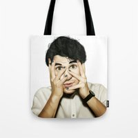darren criss Tote Bags featuring Darren Criss by weepingwillow