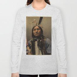 Left Hand Bear, Oglala Sioux chief Long Sleeve T-shirt