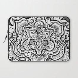 BLACK & WHITE 2 Laptop Sleeve