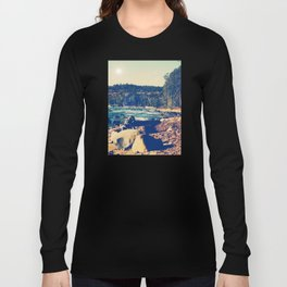 Rocky Shores of Lake Superior Long Sleeve T-shirt
