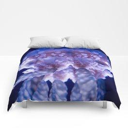 Glowing Jellyfish - Macrophotography Comforters