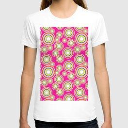 Circles on pink background T-shirt