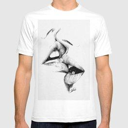 Universe kiss. T-shirt