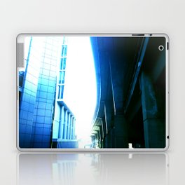 fly over london Laptop & iPad Skin