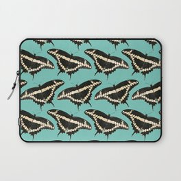 Butterfly Illustrated Pattern Print Laptop Sleeve
