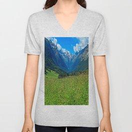 Bergwiese mit Talschluss Unisex V-Neck