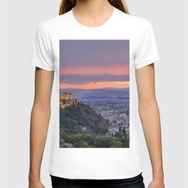 The alhambra and Granada city at sunset T-shirt