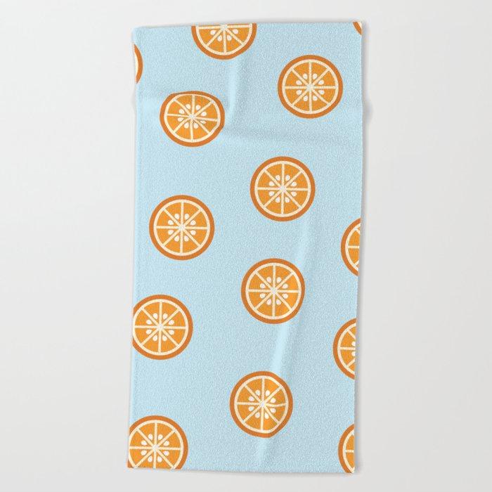 Bleu comme une orange Beach Towel