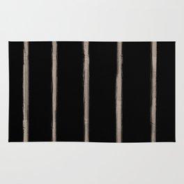 Skinny Strokes Gapped Vertical Nude on Black Rug