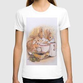 Peter Rabbit with his parents T-shirt
