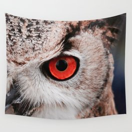 Wise eyes !! Wall Tapestry