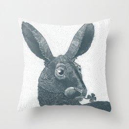 lepus cum clover Throw Pillow