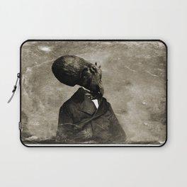 Cthulhu, 1843 Laptop Sleeve