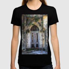 Derelict Doorway T-shirt