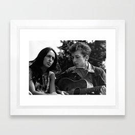 Bob Dylan and Joan Baez at the March on Washington, 1963 Framed Art Print