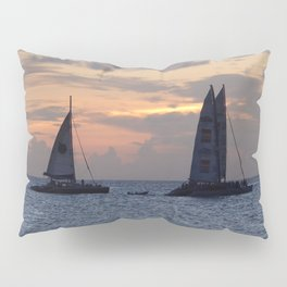 Sailing into the sunset Pillow Sham