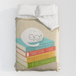 The Cat Loves Books Comforters