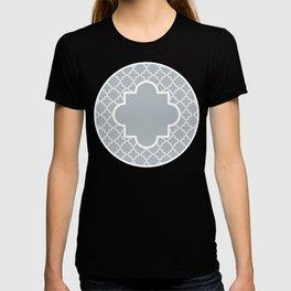 Classic Quatrefoil pattern, silver grey T-shirt