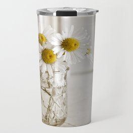 Simple White Daisy Flowers Travel Mug