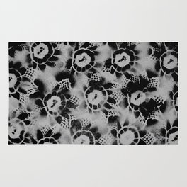 Black n White Flowers Rug